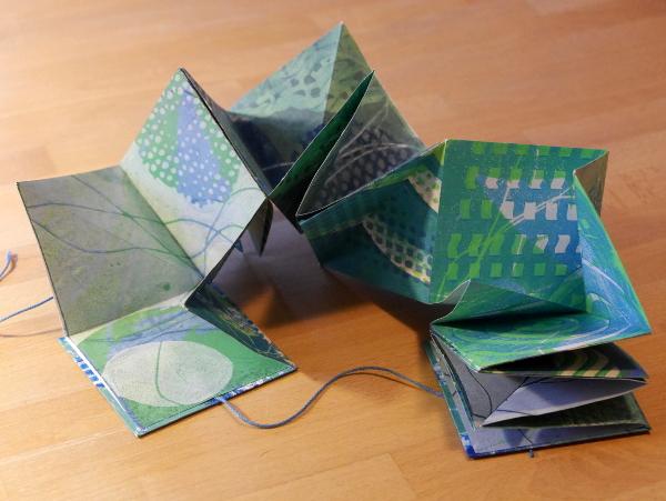 Lotus-Fold-Book